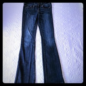 Like new! AE Original Boot jeans - size 4 Long